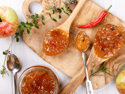 Fruchtiges Chutney mit pikanter Chili-Note
